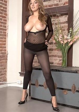 Big Tits Yoga Pants Porn Pictures